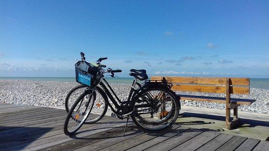 Cayeux-sur-Mer, Frankrike: A BICYCLETTE