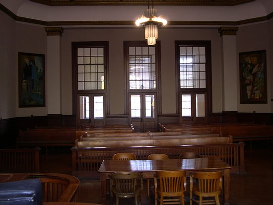 Independence, MO: Brady Courtroom