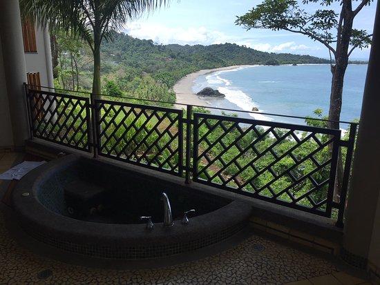 Arenas del Mar Beachfront & Rainforest Resort: room 603A - amazing suite