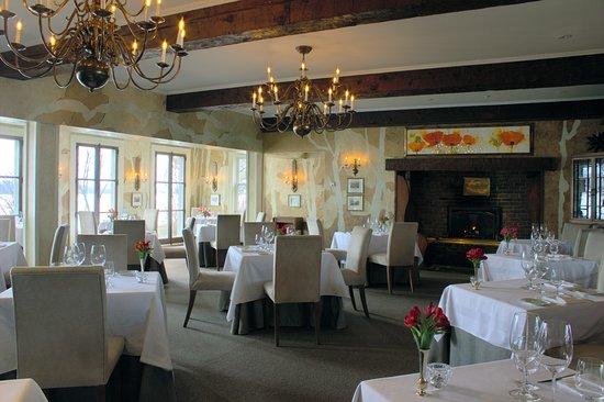 Restaurant Le Hatley du Manoir Hovey: Restaurant Le Hatley - Dining Room