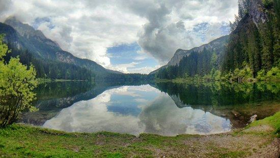 Lago di Tovel: 20180521_112844_1526896358396_large.jpg