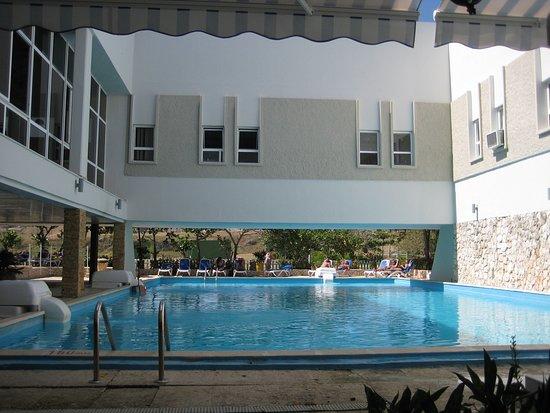 Hotel MarAzul: piscine