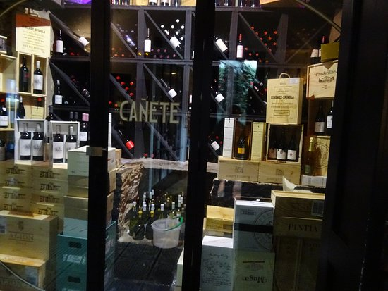 Bar Cañete : Cellar room