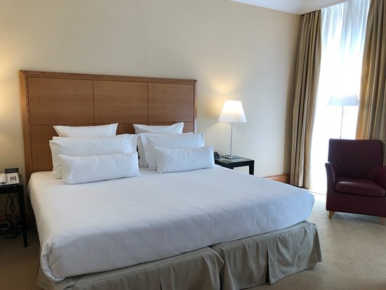 Capo D'Africa Hotel – Colosseo: Comfy Bed!