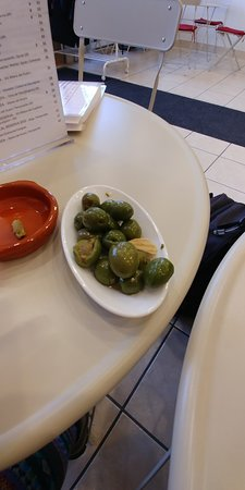 Sainte-Anne-de-Bellevue, Canada: Olives