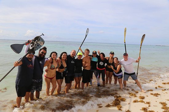Compas SUP Club: Zane Kekoa Schweitzer paddleboarding with the Compas team, just like a dream in Playa del Carmen
