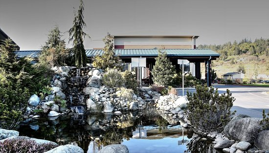 Blue Lake, CA: View of hotel from koi pond