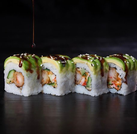 Fish House: Enjoy your day with sushi land