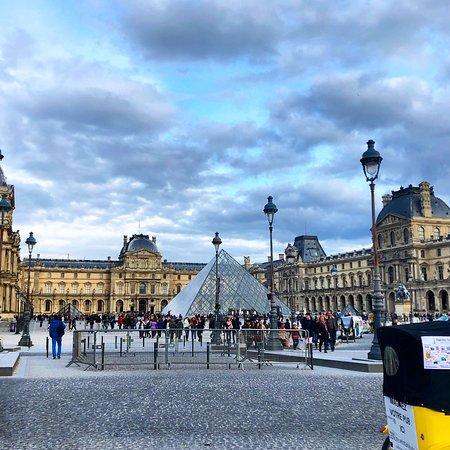 Louvre Museum: photo0.jpg