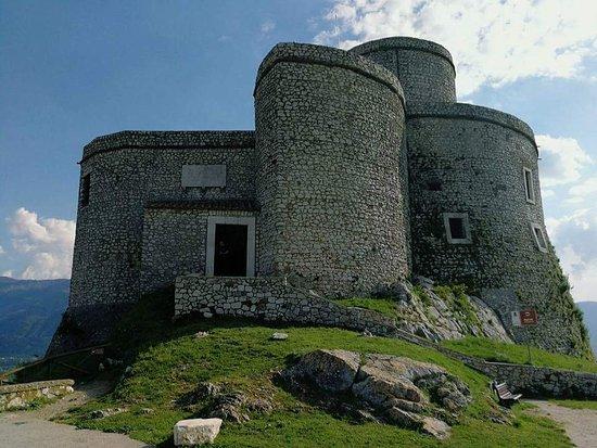 Castello e Torre di Montesarchio Φωτογραφία
