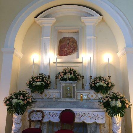Il Bellissimo Santuario della Madonna di Costantinopoli a Barile Pz  Ogni anno si Festeggia  il