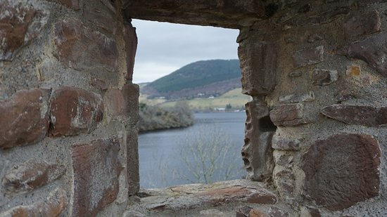 Urquhart Castle: Artsy view of the loch