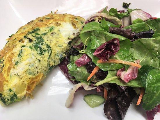 Le Midi Bar & Restaurant: Omelette