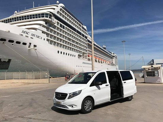 Pyrgos, Grécko: Our lovely white van, ready at port of Katakolon (Ancient Olympia)