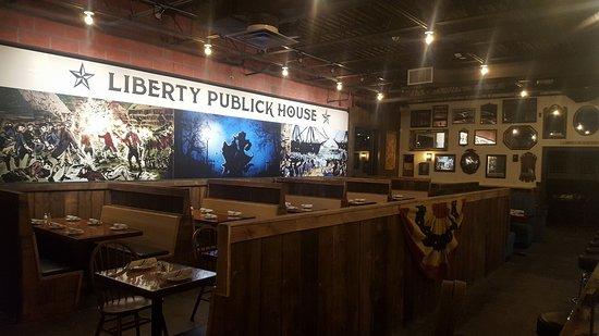 Holbrook, MA: Dining Room