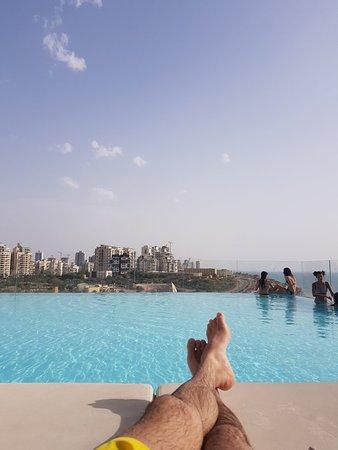 Island Suites Hotel: 20180502_164029_large.jpg