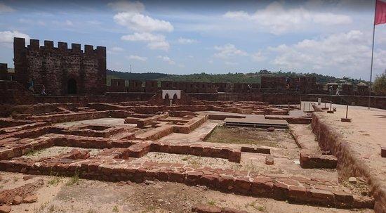 Castelo de Silves: Castle ruins
