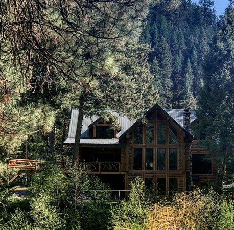 คลินตัน, มอนแทนา: Come Experience Life on the Edge of the Wilderness