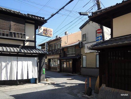Shinmonzendori