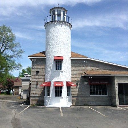 Sherburne, NY: Lewis' Restaurant Lighthouse building