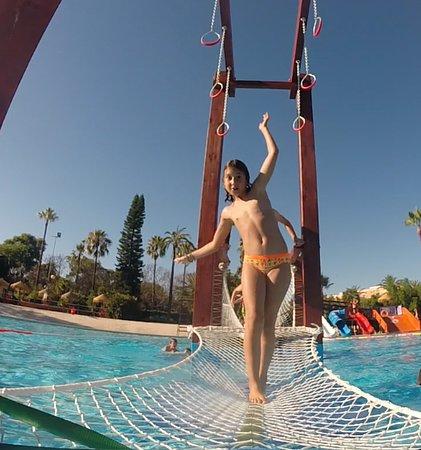 Zona spa photo de piscina parque benicalap valence for Piscina parque benicalap