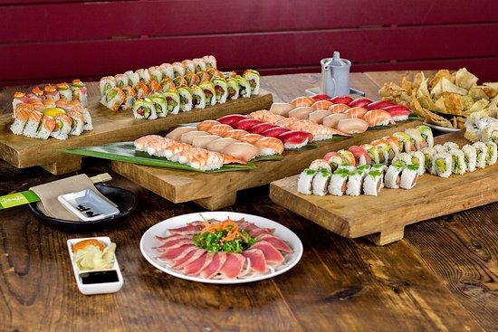 Doraku: 3 of us ate all this :)