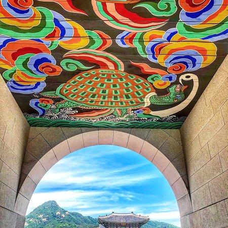ประตูควางฮวามุน: Gwanghwamun Gate