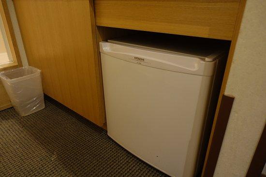 Sounkyo Kankou Hotel: /_/_/_/_/_/_/_/ 2018.1 撮影 部屋の小型冷蔵庫