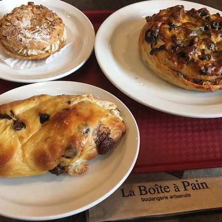 Traditional french bakery with great food