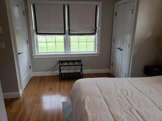 East Island Reserve Hotel: Bedroom - Cottage #23