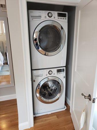 East Island Reserve Hotel: Laundry Closet - Cottage #23
