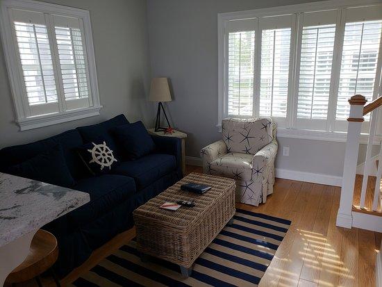 East Island Reserve Hotel: Living Room  - Cottage #23