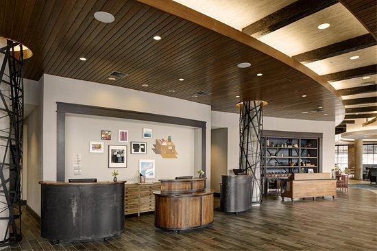Burlington, MA: Lobby