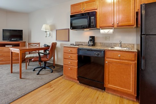 Secaucus, NJ: Suite