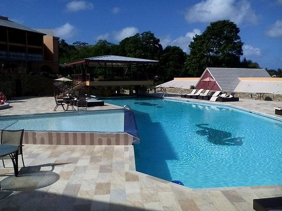 Le Grand Courlan Spa Resort: The pool - take me back please