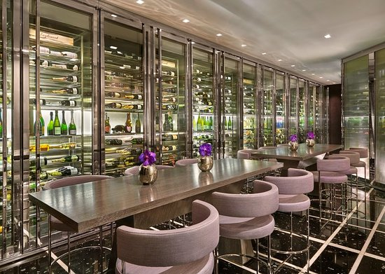 The St. Regis Bal Harbour Resort: Bar/Lounge