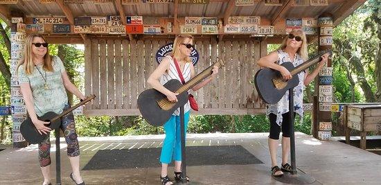 Luckenbach, TX: rockin out