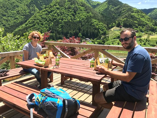 UMESEKO TOUR: Enjoying lunch box with local products at the top of hill!