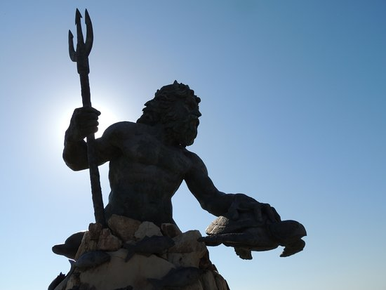‪King Neptune Statue on the Boardwalk‬