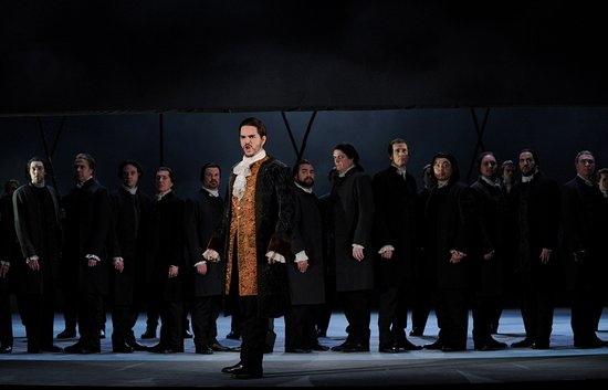 Opera Australia: Production image of Lucia di Lammermoor