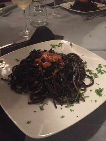 La Gondola: Squid ink spaghettoni with sea urchin 2017