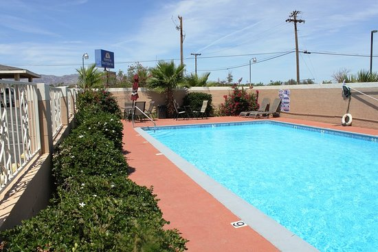 Americas Best Value Inn - Needles: Pool