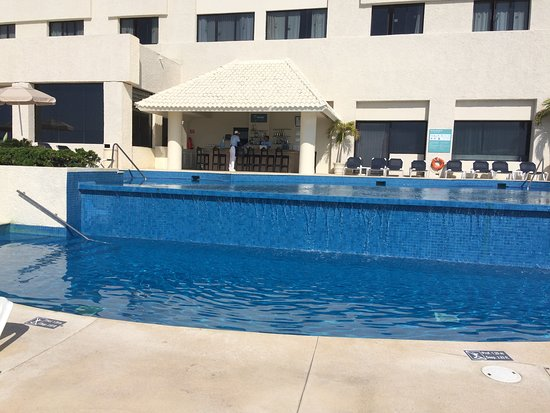 Occidental Tucancun: one pool another large one on top