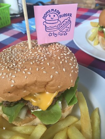 Homemade Burgers And Sandwiches: Beef and Cheese Burger, prepared with love