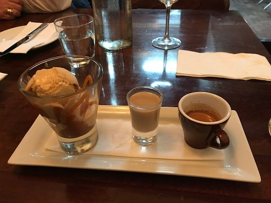 FORD'S Restaurant & Bar: Dessert, Yum!!