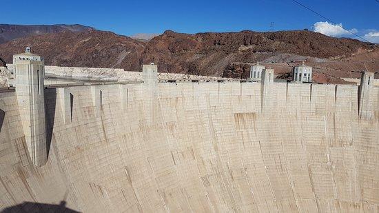Hoover Dam: Dam wall