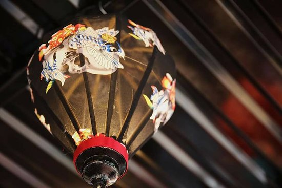 Hoi An Private Tour Guides: A must do activity with us : lantern making