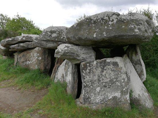 Saint-Lyphard, Frankrig: Mégalithe (Vue sur la partie de l'espace funéraire)