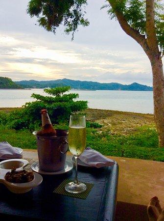 The Naka Island, A Luxury Collection Resort & Spa Phuket: 夕陽の素敵なZ-bar