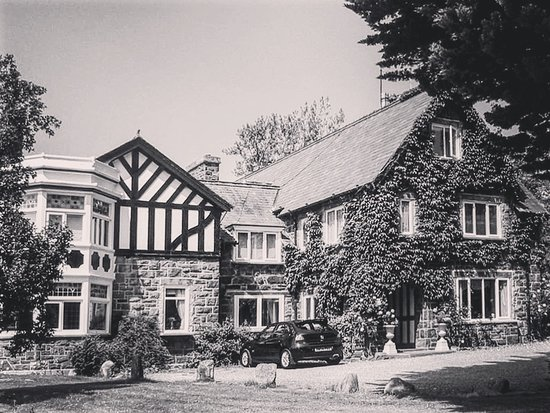 Rowen, UK: Manor House